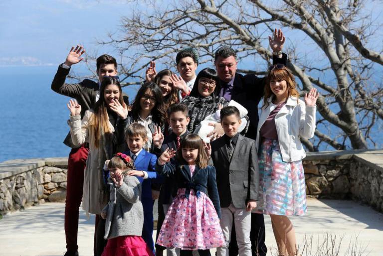 obitelj na krku