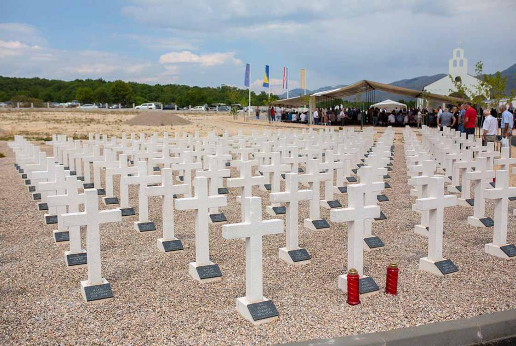 Donosimo sve važne informacije o postavljanju križeva na Groblju mira na Bilima   ABC