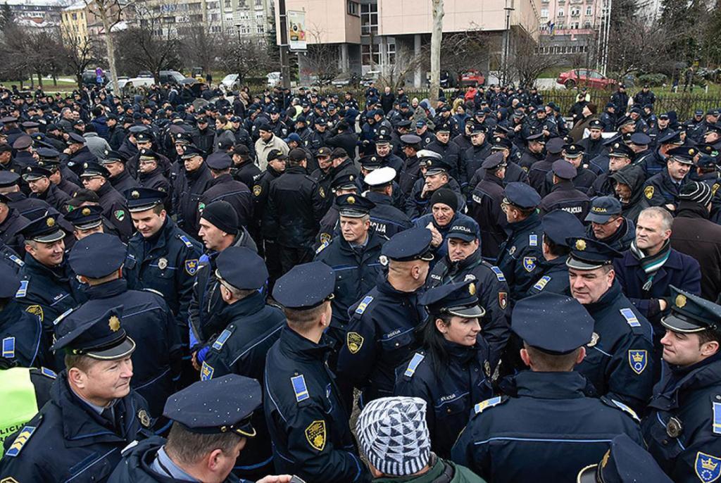 policija prosvjed