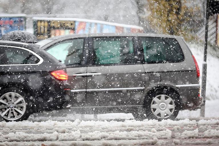 auta po snijegu