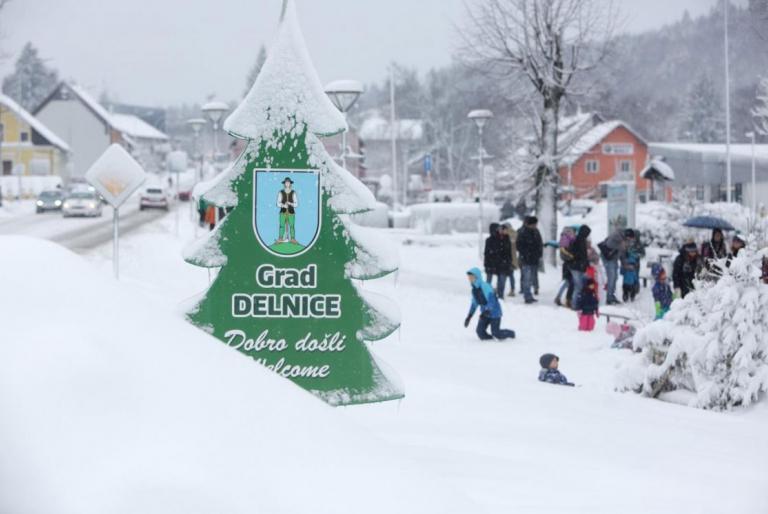 snijeg delnice