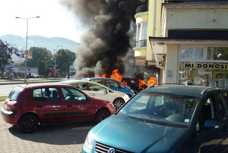 zapaljeno auto